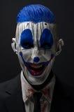 Зомби клоуна шальные голубые в куртке Стоковая Фотография RF
