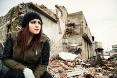 Зона и молодая женщина деконструкции краха стоковые изображения