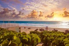 Зона Мексика гостиницы пляжа Cancun Delfines Стоковые Фотографии RF