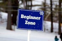 зона наклонов лыжи знака beginner голубая Стоковые Фото