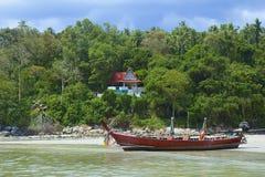 Зона пляжа Kata в Пхукете, Таиланде Стоковая Фотография