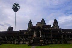 Зона террасы Angkor Wat с пальмой Стоковая Фотография RF