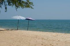 Зонтики в песке 1 Стоковое Изображение RF