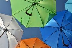 Зонтики и небо Стоковое Изображение RF