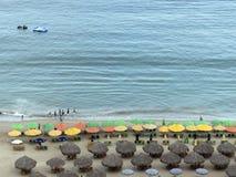 Зонтики и palapas Стоковое Фото