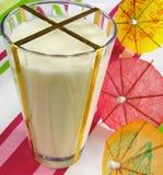 зонтики молока стоковые фото