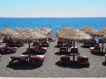 Зонтики на пляже Греции Стоковое Изображение RF