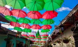 Зонтики на улице стоковая фотография rf