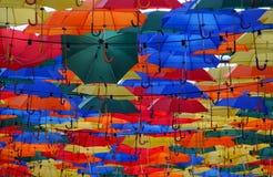 Зонтики переулка лета плавая Стоковая Фотография
