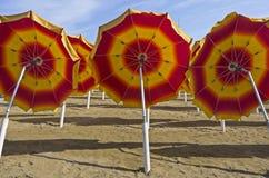 Зонтики пляжа стоковые фото