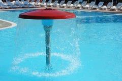 Зонтик гриба фонтана бассейна Стоковое фото RF