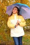 зонтик девушки симпатичный Стоковые Фото