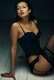 зонтик девушки шаржа брюнет красотки Стоковые Фото