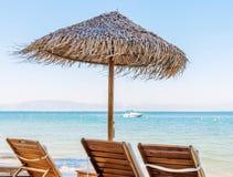 Зонтик навеса на пляже Стоковые Изображения RF