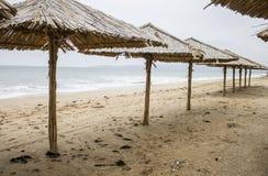 Зонтик пляжа сделанный из соломы Крымский, зима 2014 Стоковая Фотография