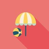 Зонтик пляжа с значком шарика плоским с длинной тенью Стоковые Фотографии RF