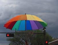 Зонтик радуги в гей-параде Эдмонтоне 2018 Стоковые Фото