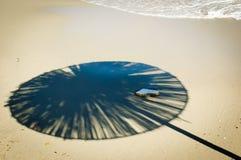 зонтик солнца пляжа песочный Стоковое Изображение