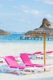 зонтик стулов пляжа 2 Стоковая Фотография