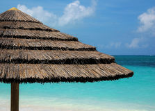 зонтик травы пляжа Стоковое фото RF