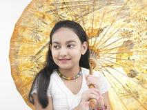 зонтик oriental девушки Стоковые Изображения RF