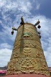 Золотая крыша lamasery в Тибете Стоковая Фотография