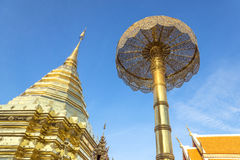 Золотая пагода на виске Doi Suthep Стоковое фото RF
