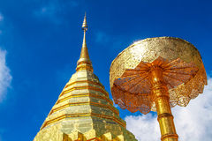 Золотая пагода на Doi Su Thep Стоковая Фотография
