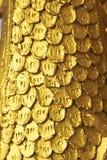 Золотая скульптура лестницы Naga в виске Lao Стоковая Фотография RF