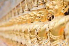 Золотая скульптура garuda Стоковое Изображение RF