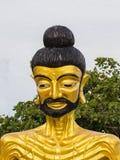 Золотая статуя Будды стоковые фотографии rf