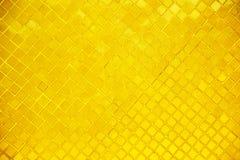 Золотая стена предпосылка 0176 буддийского виска Стоковое Фото