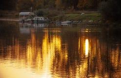 золотистая вода Gorokhovets Зона Владимира Конец сентября 2015 Стоковое Изображение