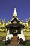 Золотистая пагода на Wat Pha-Что Luang в Vientian.This будизм Стоковое фото RF
