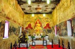 Золотистая статуя Будды, Таиланд Стоковые Изображения