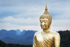 Золотистая статуя Будды Стоковые Изображения RF