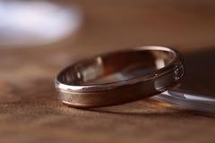 золотистое сделанное кольцо 3d wedding Стоковые Фото