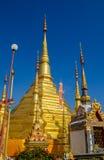 Золотистое stupa Стоковые Фотографии RF