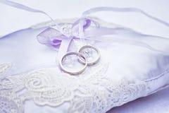 золотистые кольца wedding Стоковые Фотографии RF