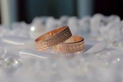 золотистые кольца 2 wedding Стоковая Фотография