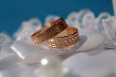 золотистые кольца 2 wedding Стоковые Фотографии RF