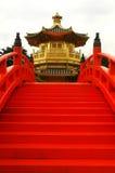 золотистый востоковедный павильон Стоковая Фотография