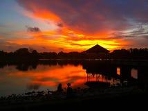 золотистый заход солнца часа Стоковые Фото