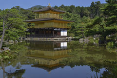 золотистый павильон kinkaku ji Стоковое Изображение RF