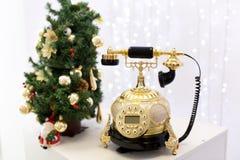 золотистый ретро телефон Стоковые Фотографии RF