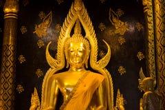 Золотое изображение статуи Будды в Phisanulok Стоковые Изображения
