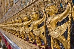 Золотое Garuda виска Wat Phra Kaew стоковые фото
