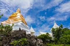 Золотое stupa Стоковые Фотографии RF