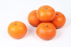 Золотой апельсин на белой предпосылке, отпраздновать для китайского фестиваля Стоковые Фото