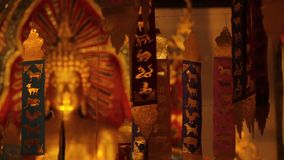 Золотой Будда в виске Чиангмае Wat Phra Singh акции видеоматериалы